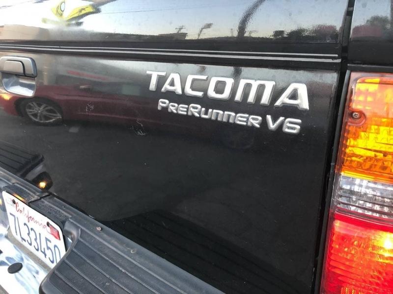Toyota Tacoma 2004 price $9,999