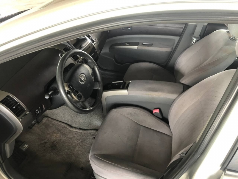 Toyota Prius 2004 price $5,495