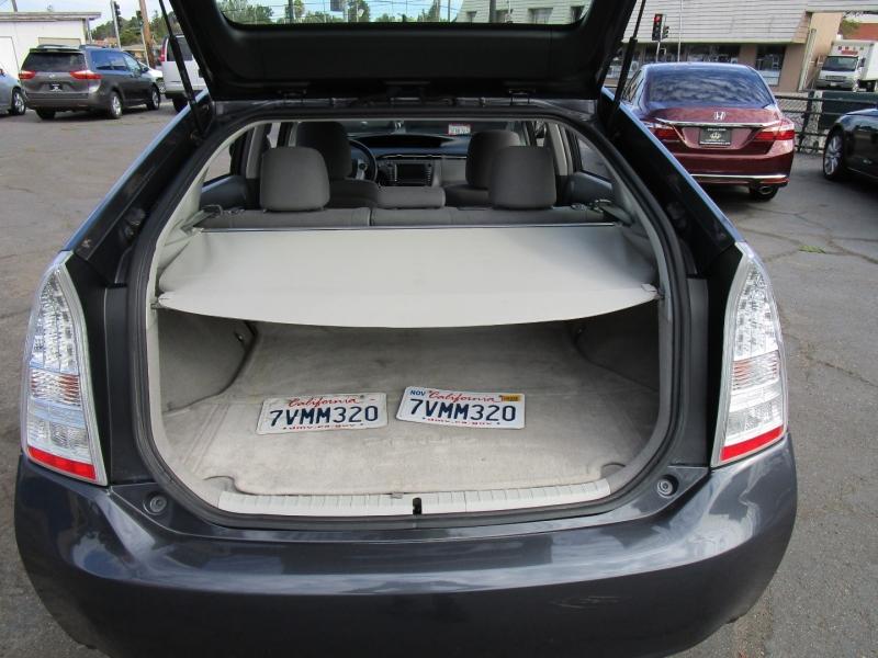 Toyota Prius 2011 price $10,495