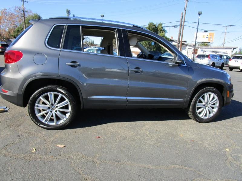 Volkswagen Tiguan 2013 price $10,499