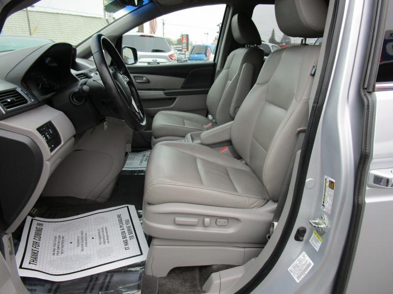Honda Odyssey 2011 price $13,995