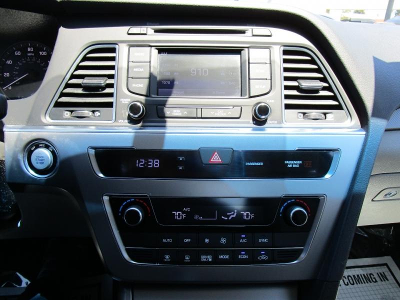 Hyundai Sonata Hybrid 2016 price $13,995