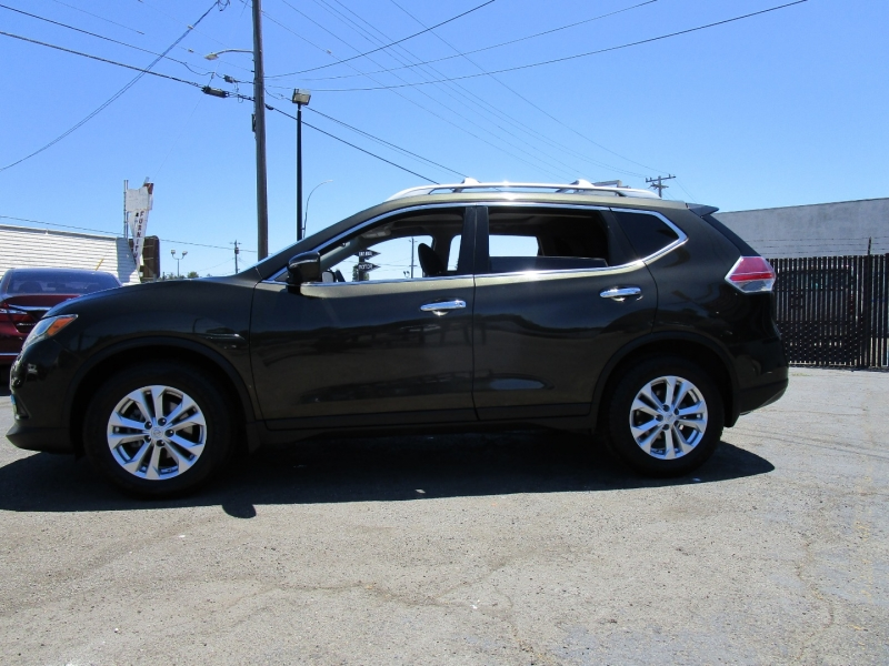 Nissan Rogue 2015 price $16,995