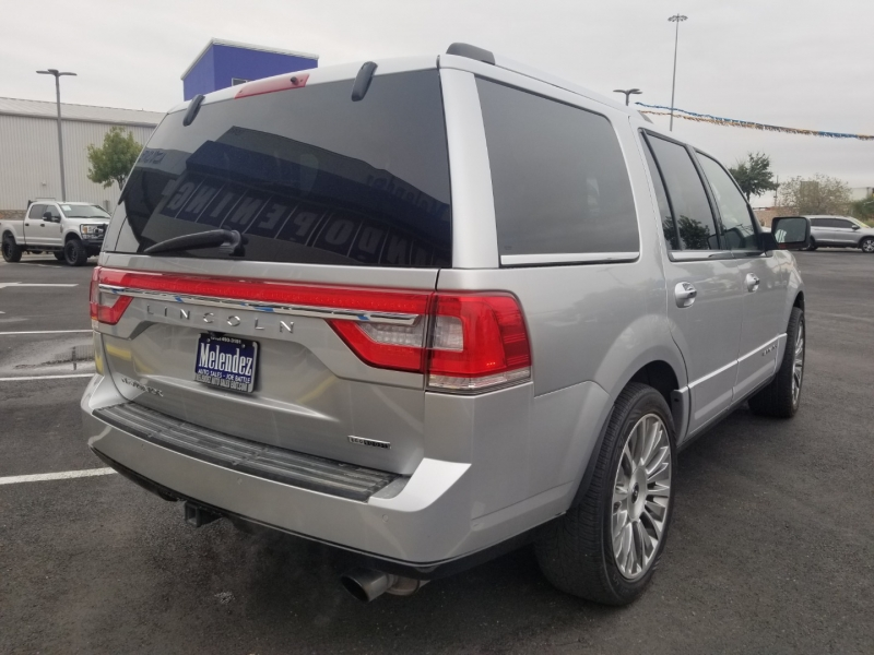 Lincoln Navigator 2015 price $31,995