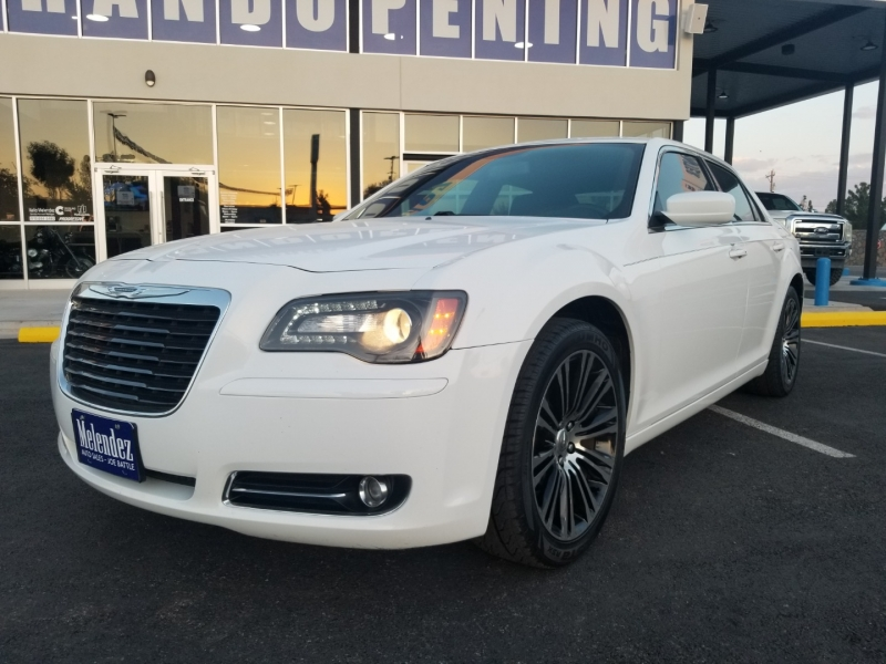 Chrysler 300-Series 2014 price $17,995