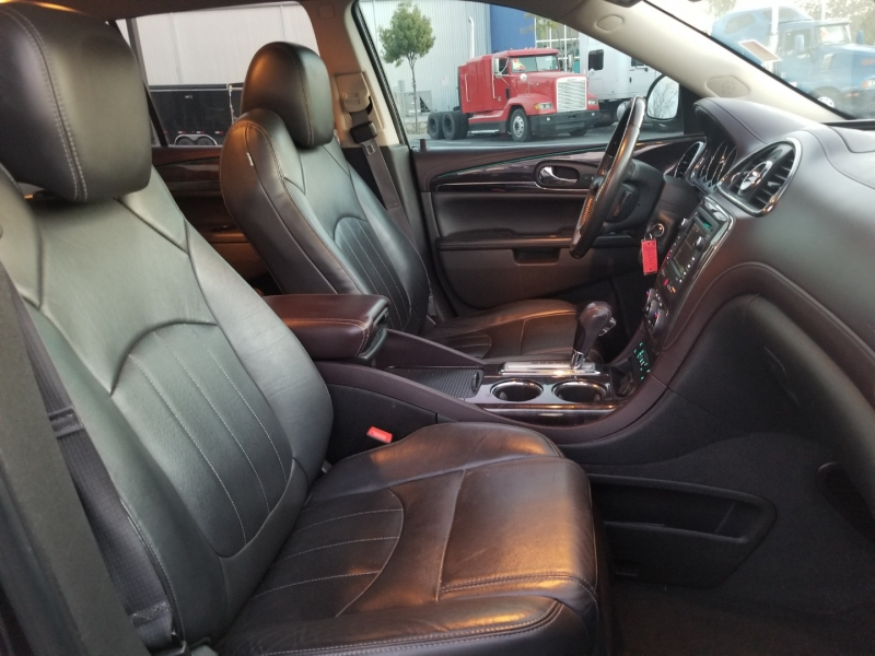 Buick Enclave 2015 price $16,995