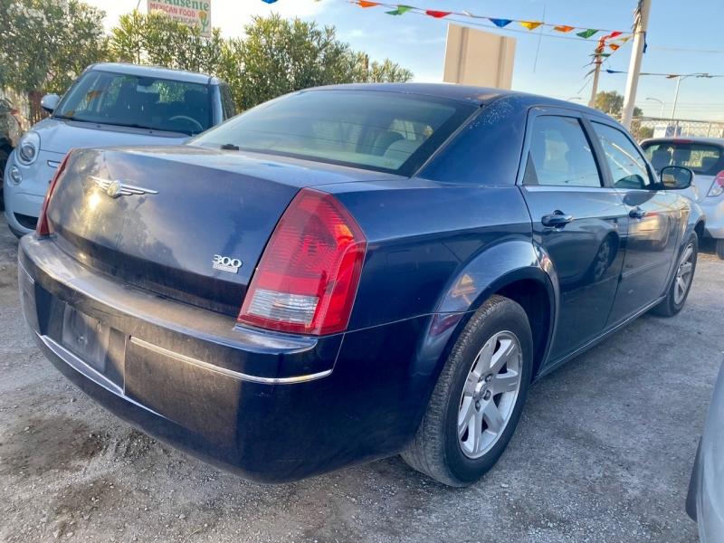 Chrysler 300-Series 2006 price $4,295 Cash