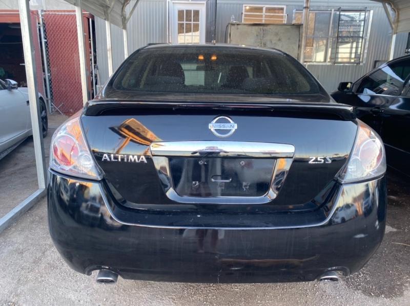 Nissan Altima 2009 price $4,995 Cash