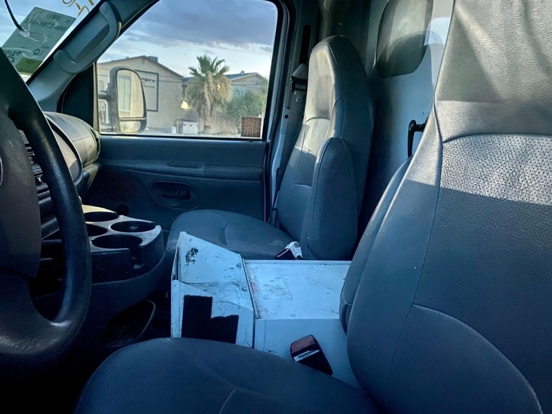 Ford Econoline Commercial Cutaway 2007 price $4,995 Cash