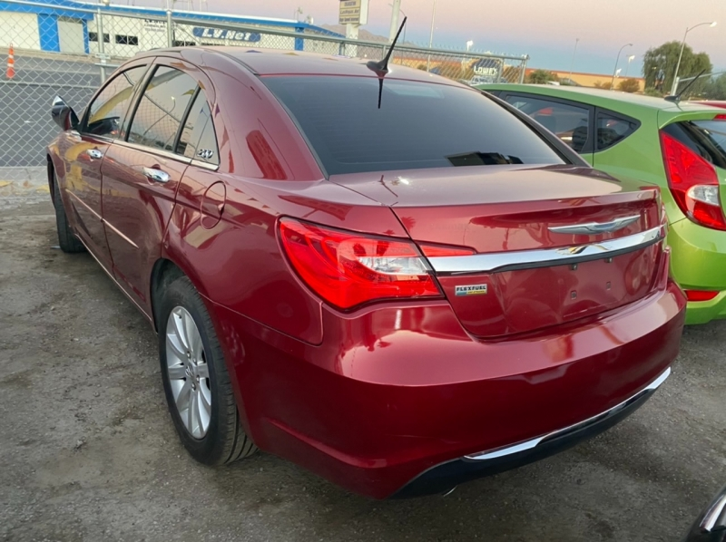 Chrysler 200 2013 price $5,695 Cash
