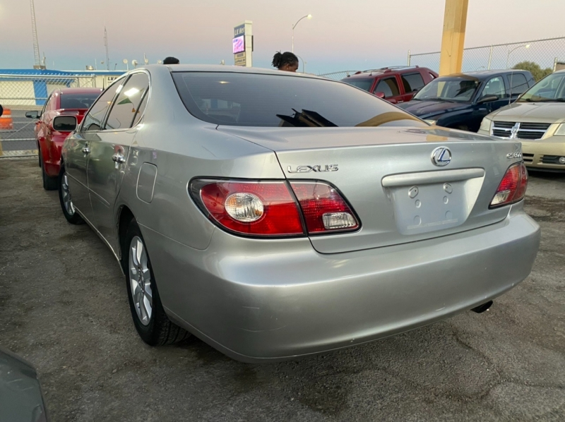 Lexus ES 300 2002 price $4,295 Cash