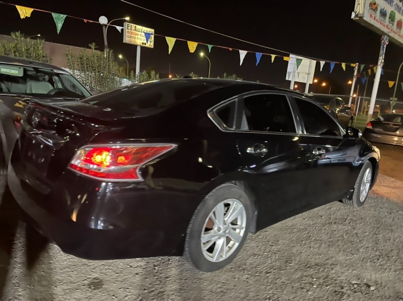 Nissan Altima 2015 price $6,295 Cash