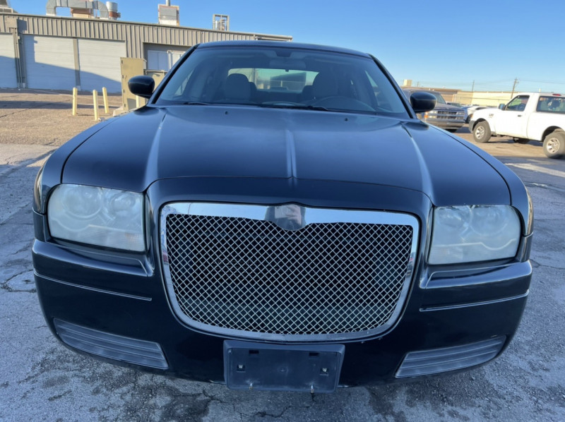 Chrysler 300 2006 price $3,995 Cash