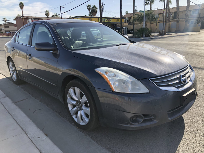 Nissan Altima 2012 price $3,995 Cash