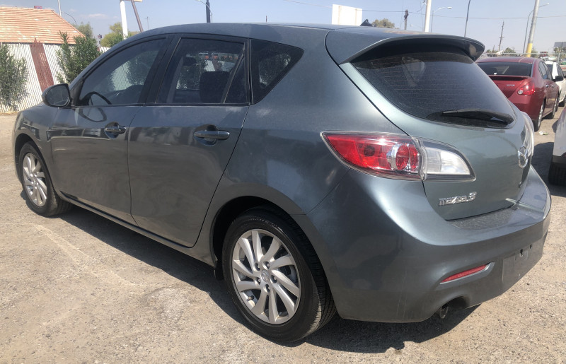 Mazda Mazda3 2012 price $5,695