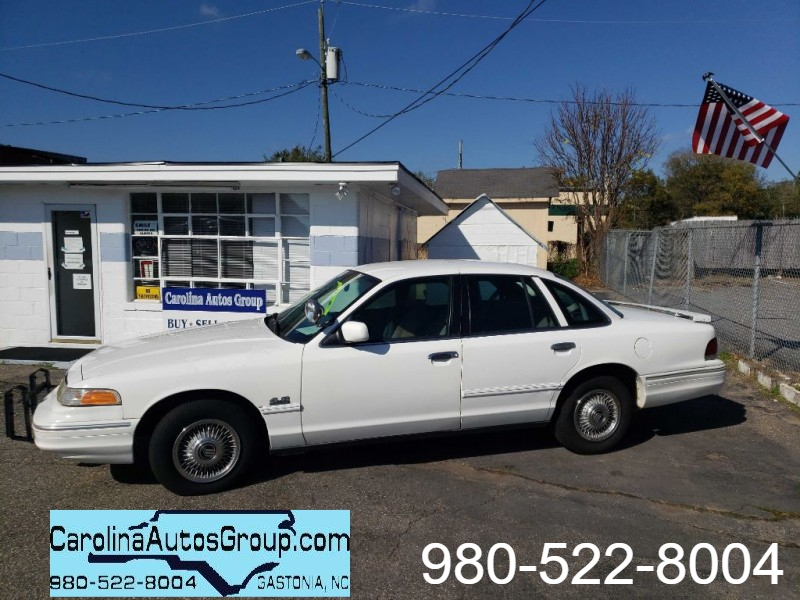 FORD CROWN VICTORIA 1997 price $1,898
