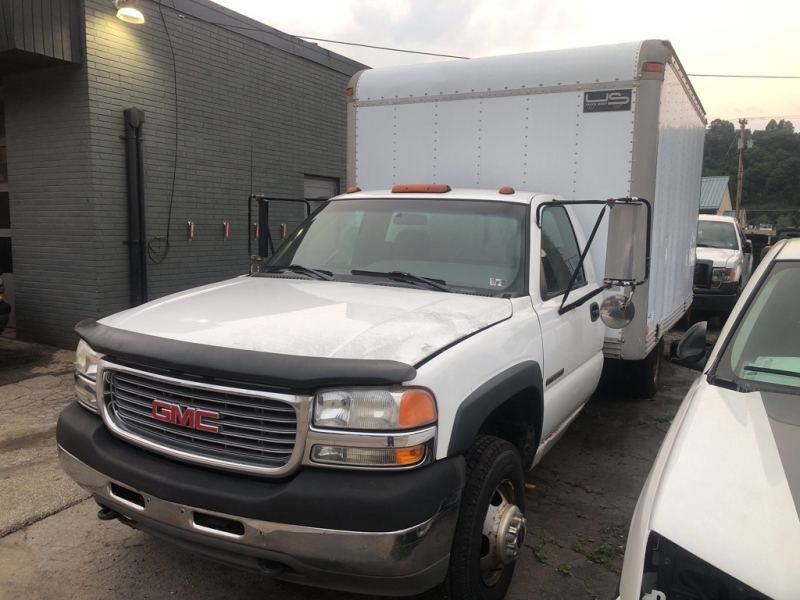 GMC NEW SIERRA 2002 price Call for Pricing.