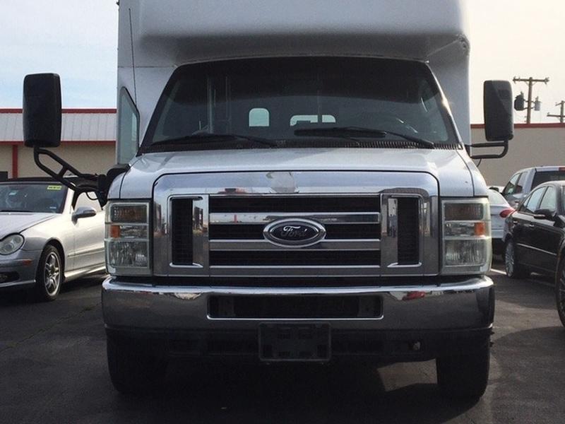 Ford Econoline Cargo Van 2009 price $7,999
