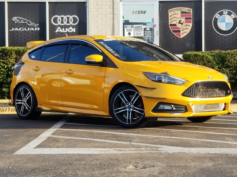 Ford Focus 2015 price $15,499