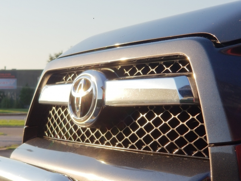 Toyota 4Runner 2010 price $16,299