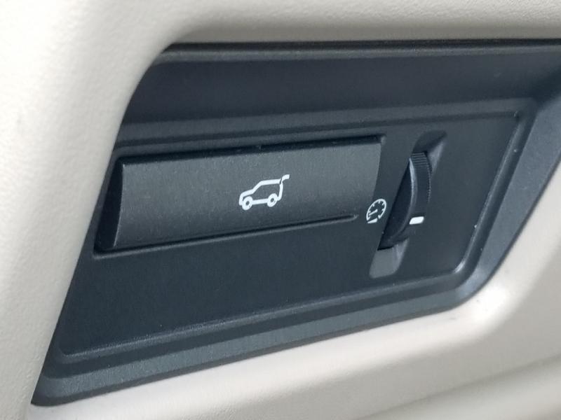 Land Rover Range Rover Evoque 2014 price $16,999