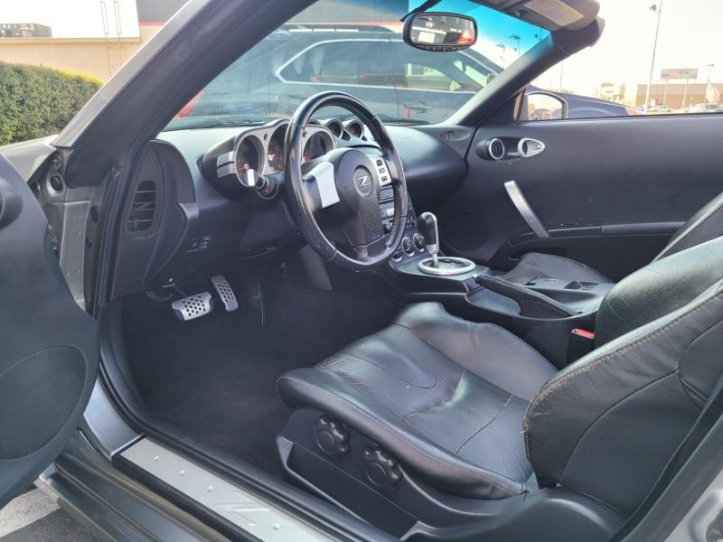 Nissan 350Z 2004 price $8,799