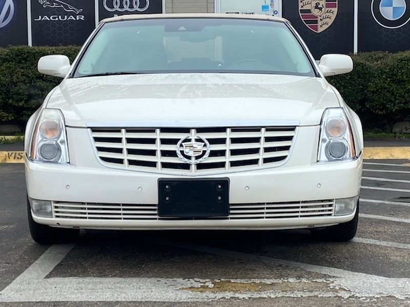 Cadillac DTS 2011 price $9,999