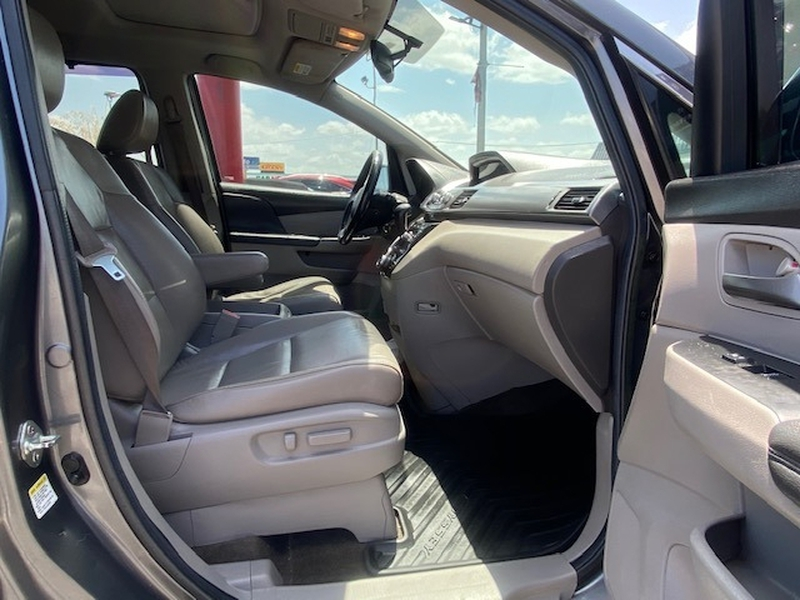 Honda Odyssey 2013 price $10,499