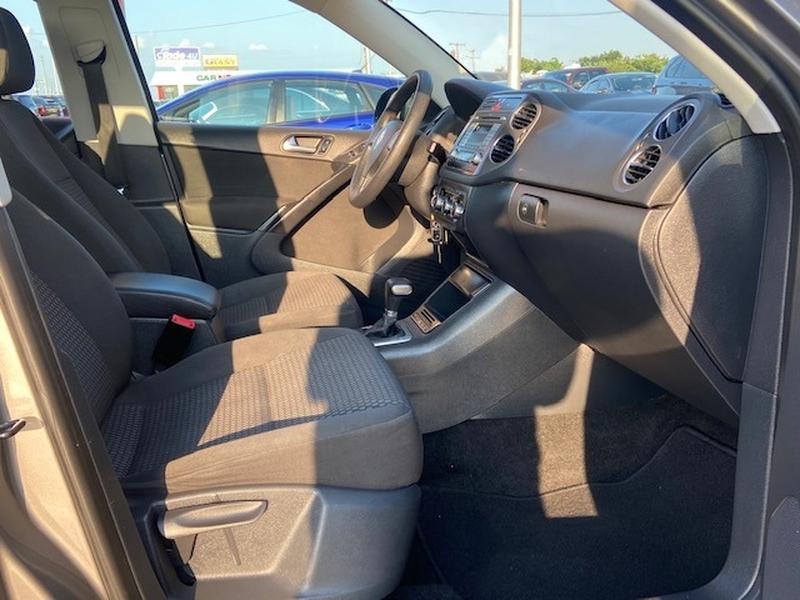 Volkswagen Tiguan 2010 price $6,399