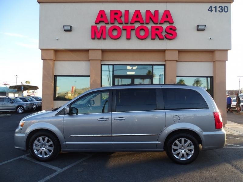 Chrysler TOWN & COUNTRY 2016 price 18,995