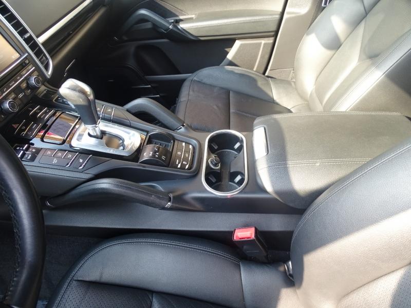 Porsche Cayenne 2013 price $22,995