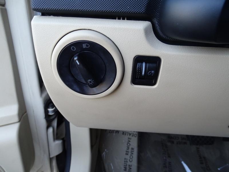 Volkswagen New Beetle Coupe 2010 price $8,995