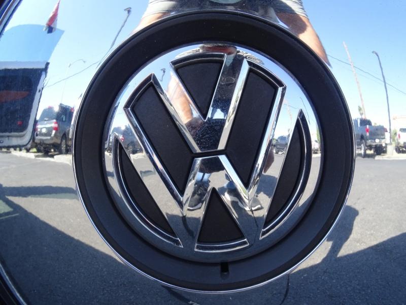 Volkswagen Beetle Coupe 2015 price $11,995