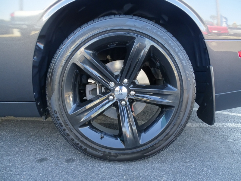 Dodge Challenger 2016 price $27,995