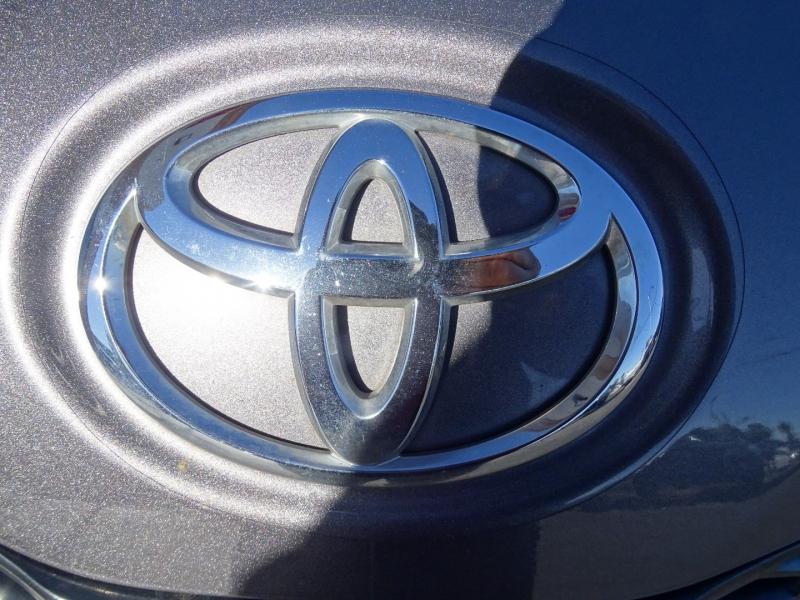 Toyota SIENNA 2015 price $18,995