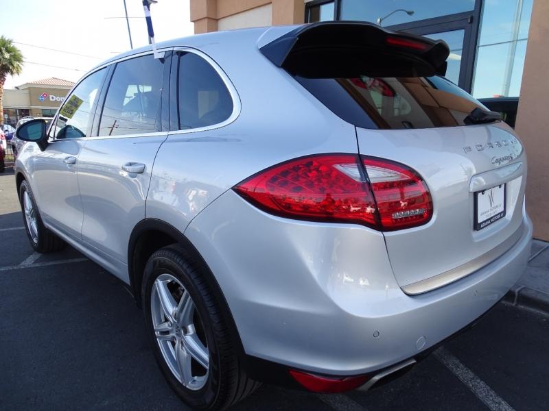 Porsche Cayenne 2011 price $20,995