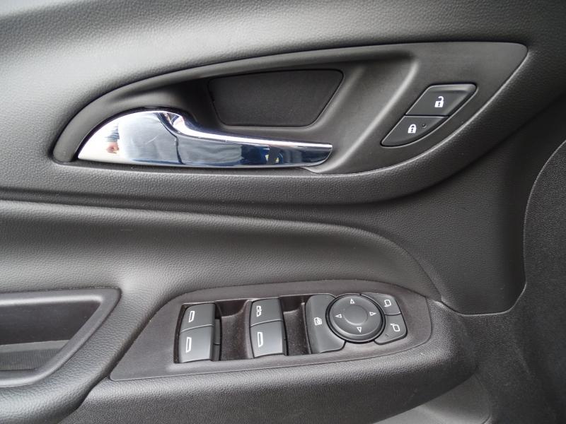 Chevrolet Equinox 2019 price $16,995