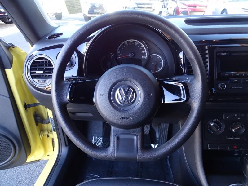 Volkswagen Beetle Coupe 2015 price $12,995
