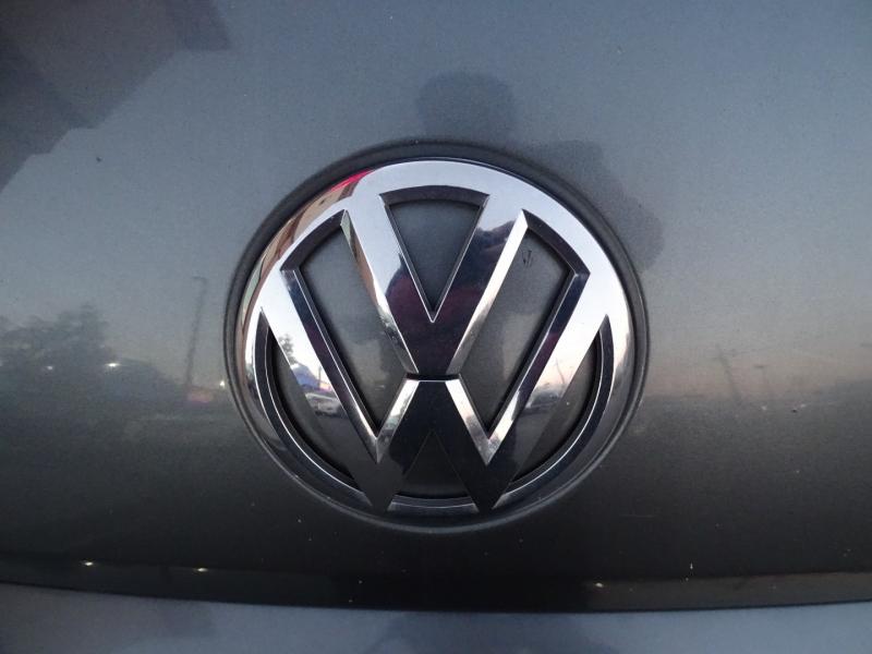 Volkswagen Beetle Coupe 2014 price $10,995