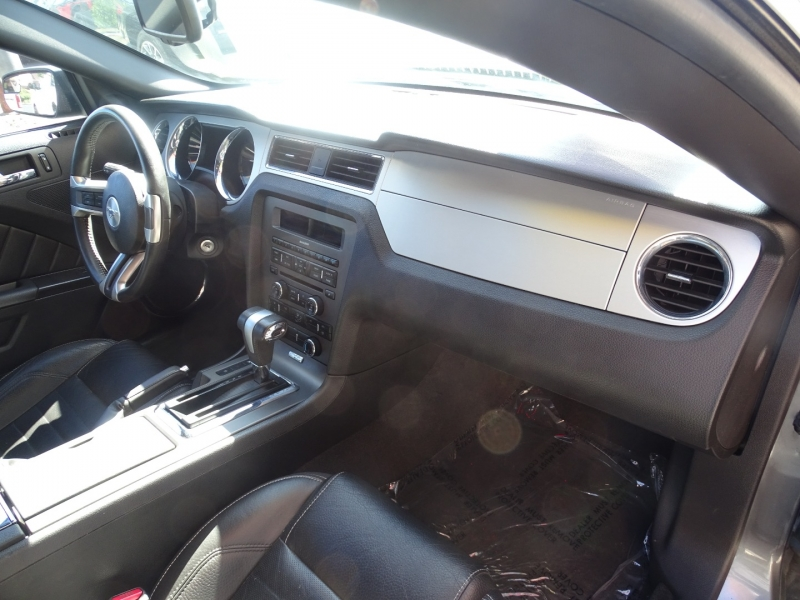 Ford MUSTANG 2011 price $16,999