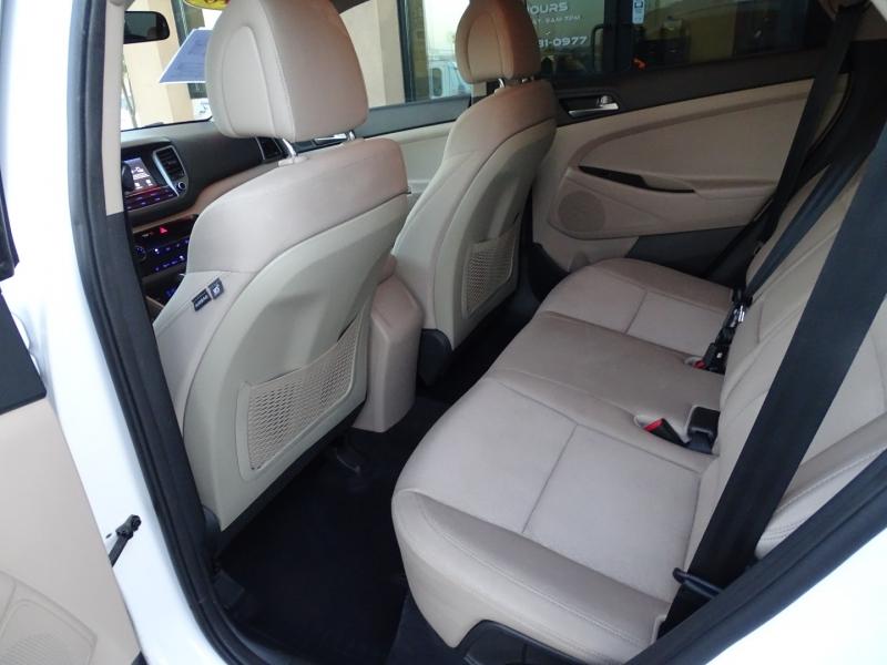 Hyundai Tucson 2018 price $18,995