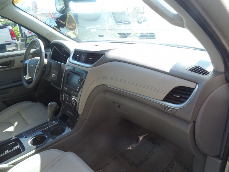 Chevrolet Traverse 2015 price $21,995