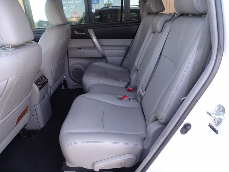 Toyota Highlander 2013 price $16,995