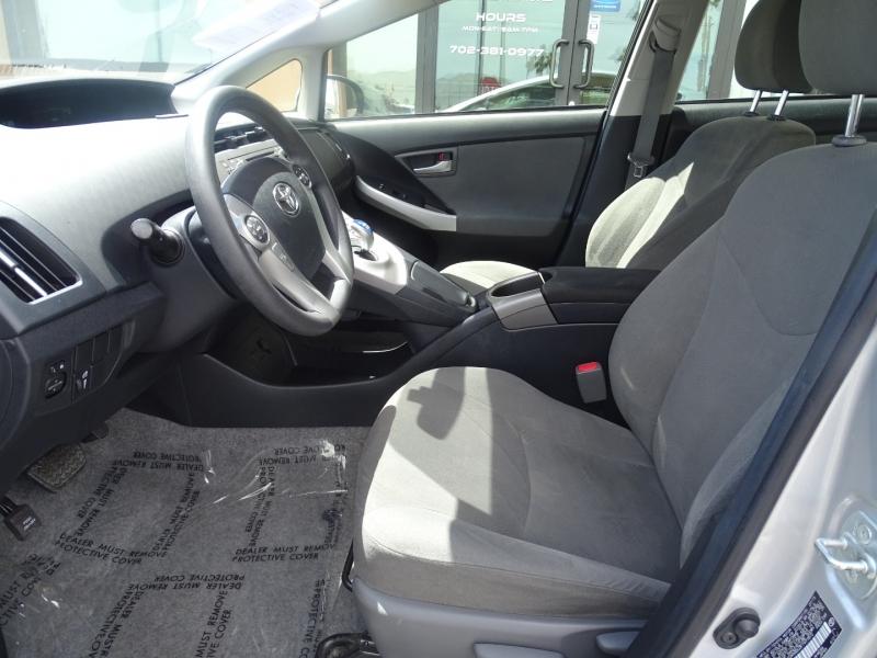Toyota Prius 2015 price $13,995