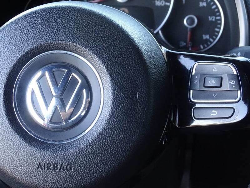 Volkswagen Beetle 2012 price $10,995