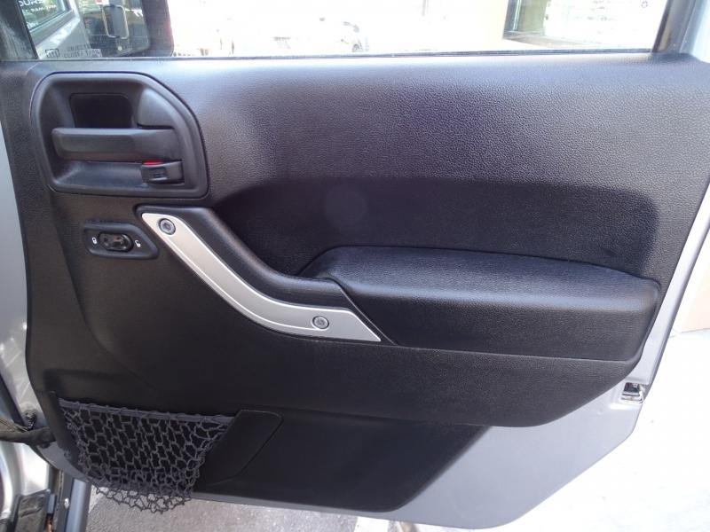 Jeep Wrangler Unlimited 2015 price $43,999