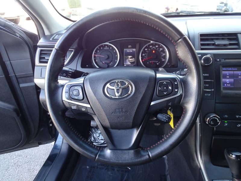 Toyota Camry 2016 price $17,950