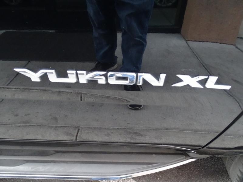 GMC Yukon XL 2015 price $32,995