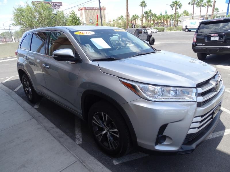 Toyota Highlander 2018 price $27,995