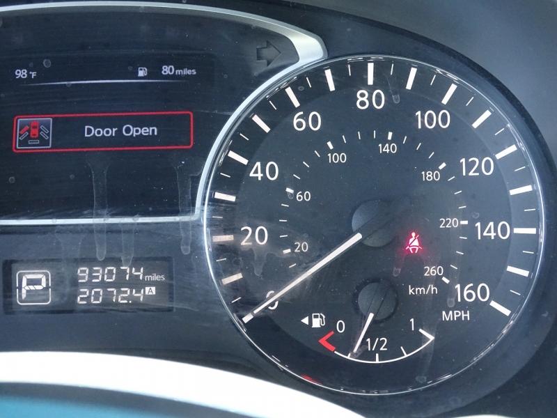 Nissan Pathfinder 2015 price $15,995